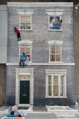 leandro erlich scout life dalston house 04