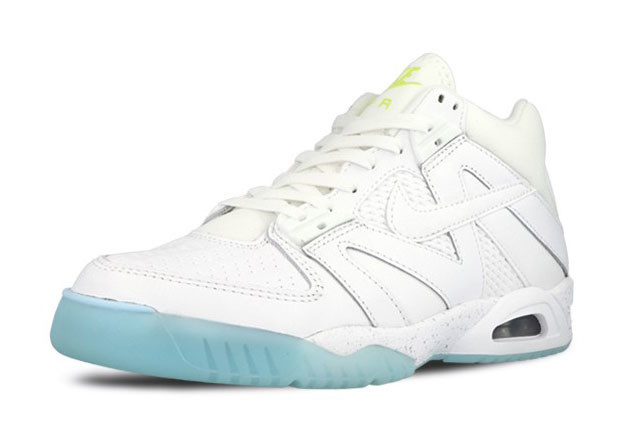 nike scout life air tech ch3 02