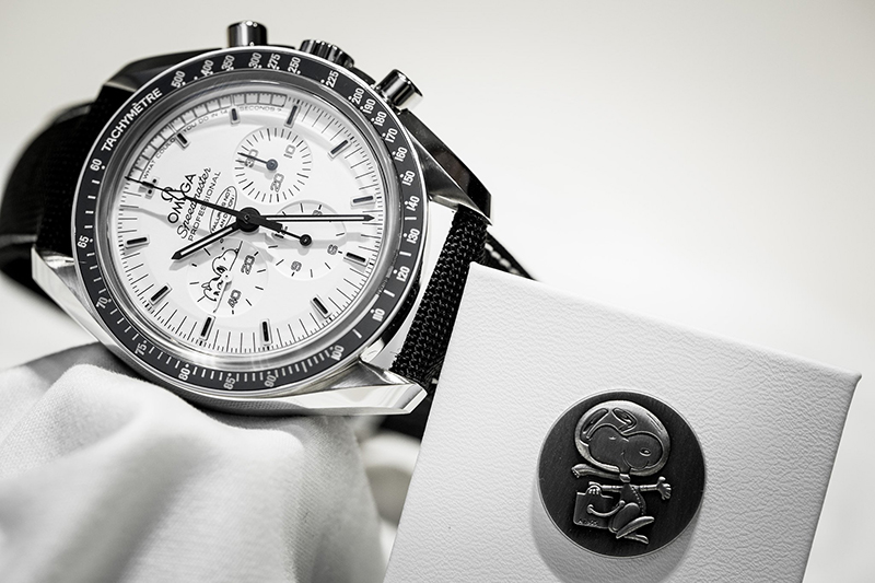 omega scout life speedmaster snoopy 1