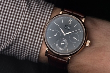 iwc scout life hand wound day date 5