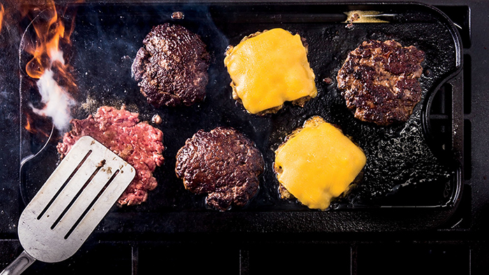 bon-appetit-scout-life-smash-burger-2